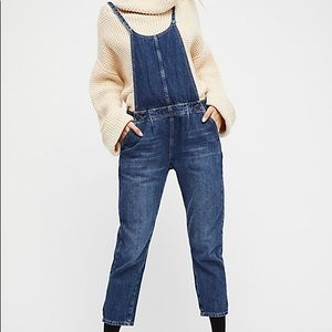 Free People pleated cropped overalls NWOT